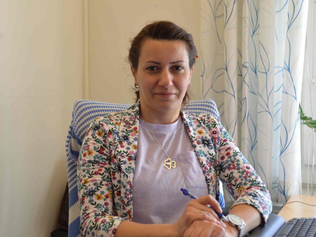 Khayala från Azerbajdzjan fick jobb som ingenjör